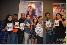 Film producer Juliet Tan (right) with the cast of 'Sada Pengerindu' including Vincent Mallang (fourth left) posing for the media during the screening of the movie at Star Cineplex on June 20.
