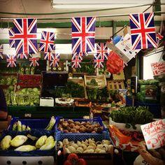 Greengrocers, Chiswick. #bestofbritish #london #jubilee #bunting