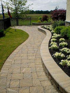 31 Most Popular Paver Walkway Design Ideas 64 Terrasse entwirft Pflas… Stone Patio Designs, Backyard Patio Designs, Paver Designs, Backyard Ideas, Outdoor Landscaping, Front Yard Landscaping, Outdoor Walkway, Outdoor Stone, Landscaping Ideas