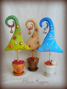 Whimsical trees by Elena Kogan. What a really lovely idea. Made in polymer, with the addition of a few odds, bobs and doodahs. Enchanting. (You could also make these into 'Fairy Trees' - with just a little bit of imagination added to the mix!)
