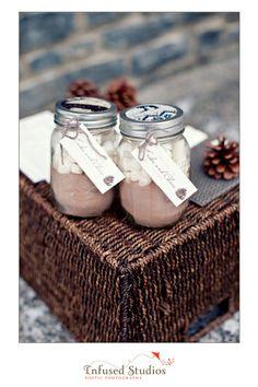 DIY wedding favours :: hot chocolate mix in mason jars