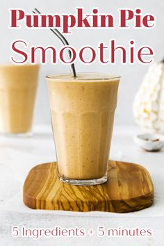 Pumpkin Pie Smoothie - All of your favorite pumpkin pie flavors in a light and refreshing smoothie! Made with just 5 ingredients in just minutes, this drink is perfect for fall! Pumpkin Smoothie | Pumpkin Drinks | Pumpkin Pie Drink #pumpkin #smoothie Easy Drink Recipes, Shake Recipes, Sweets Recipes, Brunch Recipes, Fall Recipes, Breakfast Recipes, Desserts, Pumpkin Drinks, Pumpkin Pie Smoothie