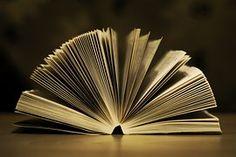 Książka, to wehikuł czasu. Przenosi nas wszędzie tam gdzie chcemy.