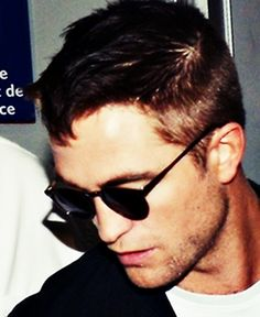 Rob arriving in Nice, France for Cannes, 5-16-14 (39)