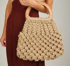 Deshilachado: Macramé moderno / Modern macramé Crotchet Bags, Knitted Bags, Love Crochet, Knit Crochet, Best Baby Wrap Carrier, Macrame Purse, Doilies Crafts, Crochet Market Bag, Art Bag