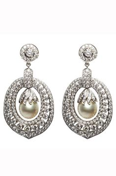 White gold diamond and pearl drop earrings :: Lulu's Estate Jewellery - http://uk.bazaar.com/1dem0tZ