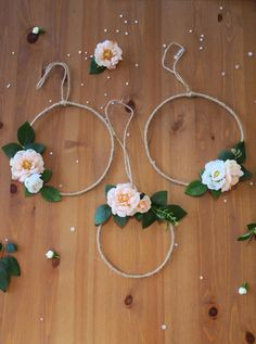 This lovely Boho flower decor set of 3 floral circlet can be used as a wall hang to your rustic wedding or as an aisle decor. Another idea is to use it as a wedding alter backdrop. It is made out of wire, hessian and fabric flowers and adds a lovely rustic romantic touch.  Size: Two big ones are approx.18.5cm diameter and the small one is 14cm diameter.