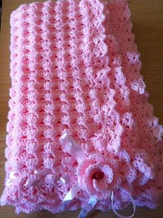 Crochet a gorgeously soft and snuggly baby blanket, with this free pattern. The blanket is sized for both small (pram) and large (cot) blankets also with 2 colourway options to choose from. Easy pattern with step by step instructions and helpful photos. Easy Knit Baby Blanket, Bernat Baby Blanket, Baby Afghan Crochet, Knitted Baby Blankets, Baby Afghans, Crochet Blanket Patterns, Baby Knitting Patterns, Chevron Blanket, Afghan Blanket