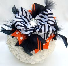 Halloween Hairbow...Over the Top Hairbows!  Etsy.com/shop/SuugarrBabies  $8.99