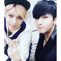 """151125 SHINee Taemin and Ravi from Vixx. <<It's amazing to me how many pics I'm finding of members hanging out from different groups.. """"playing nice"""".. getting along and supporting each other.. it's awesome..."""
