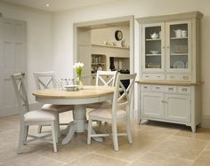 bordeaux-grey-oak-round-extending-dining-table-four-chairs-72102-p.jpg (1500×1193)