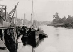 Steam ships docked at Gainsborough.