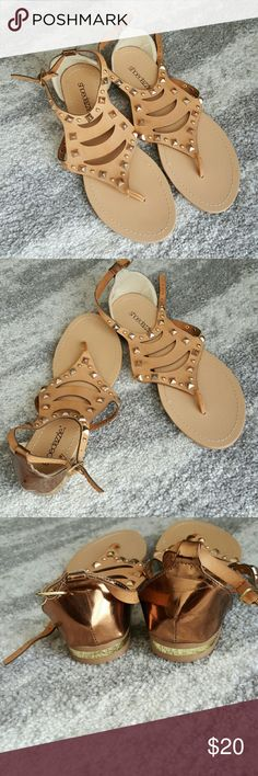 Shoedazzle gold & tan sandals Brand new tan sandals with gold accents. Never been worn. Shoe Dazzle Shoes