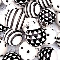 Black & white christmas balls with print ❥