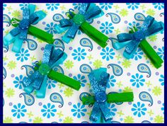 Dragonfly clothespins make great magnets! They match the Pretty Paisley classroom theme and look so cute! $ classroominspirations.com