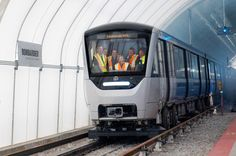 Are new Azur #STM metro cars working properly?