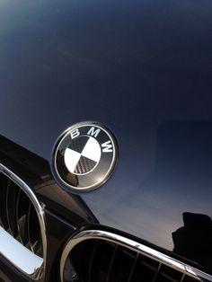bmw logo - badge - emblem Bmw I, Car Logos, Bmw 3 Series, Bmw Logo, Brochures, Badges, Piercings, Garage, Fans