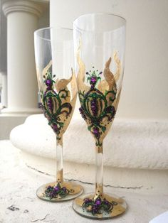 Some people love to decorate their flutes in more opulent styles, like this one, which has layers of gold paint and minute green and purple paint detailing.