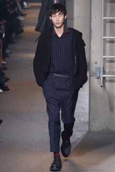 Lanvin, Look #31 fall 2016 nice #details the vertical blue stripes with the solid blue pants