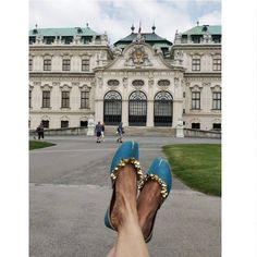 #VianTravels  A little cheer from our trip to #Vienna to take away the mid-week blues 😎🌟 . . . . . . . . . #vian #viantravels #traveldiaries #vienna #viennasummer #goodshoestakesyoutogoodplaces #europe #travelstyle #stylebloggers #shoesaddict #fashionista #summerfashion #fashionblogger #fashiondiaries #lookoftheday #onlineshipping #internationalshipping #freeshipping #shoelover #iloveshoes #comfortable