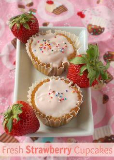 Fresh Strawberry Cupcakes | Teaspoonofspice.com