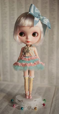just because I love #blythe dolls . can you hear the music box? by mab graves . via flickr