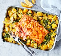 Spiced salmon with traybaked sag aloo - great potatoes. Add peas at end and use creme fraiche in place of cream Aloo Recipes, Fish Recipes, Seafood Recipes, Dinner Recipes, Dinner Ideas, Supper Ideas, Recipies, Bbc Good Food Recipes, Cooking Recipes