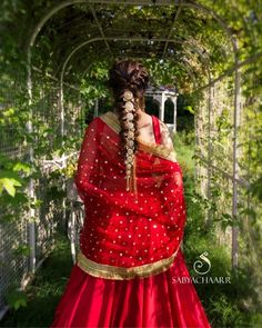 What did you notice first? Awesome hair jewellery or the prettiest hairstyle? Comment to let us know about your favorite hairstyle! Indian Wedding Hairstyles, Elegant Hairstyles, Bride Hairstyles, Pretty Hairstyles, Hairdos, Mehendi, Bridal Braids, Bridal Hairdo, Lehenga Gown