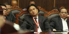 #YasonnaLaoly #YusrilIhzaMahendra Kuasa hukum Partai #Golkar hasil Munas Bali, Yusril Ihza Mahendra, menegaskan bahwa Menteri Hukum dan HAM #YasonnaLaoly wajib menerbitkan surat keputusan (SK) baru yang mengesahkan permohonan DPP Partai #Golkar hasil Munas Bali. SK itu diminta diterbitkan pascaputusan kasasi Mahkamah Agung yang memenangkan kubu #AburizalBakrie. SK Menkumham juga atas permohonan yang diajukan DPP Partai Golkar hasil Munas Bali, ta