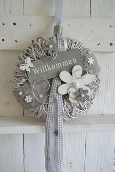 Hello everybody! Beautiful door wreath / wall wreath in gray-white This wreath . Hello everybody! Fundraising Events, Garden Planning, Door Wreaths, Wedding Centerpieces, Grey And White, Birthday Parties, Christmas Ornaments, Holiday Decor, Wall