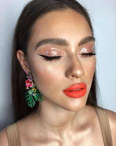 Beach babe Soare 🔥🦀🌴 Fenty Beauty on the eyes 💧 Anastasia. - Make Up 2019 Glam Makeup, Love Makeup, Skin Makeup, Makeup Inspo, Makeup Art, Makeup Inspiration, Beach Makeup, Makeup Ideas, Beauty Make-up