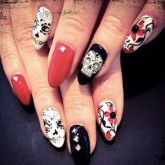 Spooky nails!