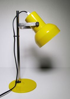 Lival table lamp (painted metal).