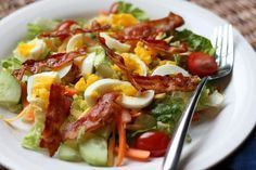 Bacon and Egg Garden Salad recipe by Barefeet In The Kitchen.recipe for making the dressing too** Meat Salad, Bacon Salad, Soup And Salad, Pasta Salad, Pasta Dishes, Food Dishes, Healthy Egg Salad, Summertime Salads, Salad Recipes