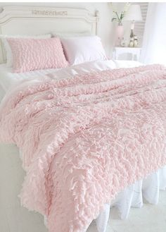 $483 South Korea imported pink flounced three sets of bedding-ZZKKO More