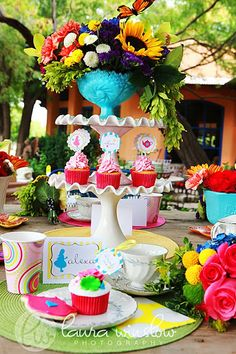 {Alice in Wonderland Photo Shoot} Welcome to Our Wonderland! | The TomKat Studio