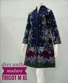 Batik Muslim, Kebaya Muslim, Blouse Batik, Batik Dress, Kids Fashion, Fashion Outfits, Womens Fashion, Batik Solo, Kebaya Dress