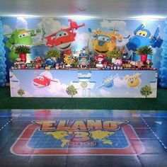 Festa Super Wings! O adesivo no chão deu todo o charme da Decor! By @andreialino ! #superwings #festainfantil ...