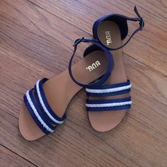Adorable navy and tan sandals These nautical sandals are perfect for the summer! Only worn a few times and great condition! Urban Outfitters Shoes Sandals