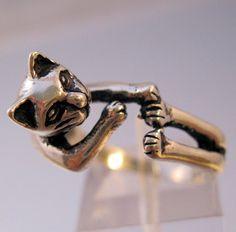 Vintage Cat Sterling Silver RIng Size 8 by BrightEyesTreasures, $35.00