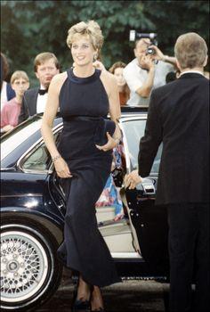 Diana de Gales: vida en imágenes