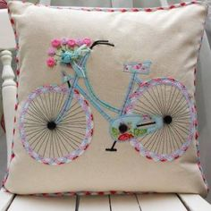Fahrrad Kissen Kissenhülle Cath Kidston andere Stoff von FullColour Bicycle Cushion Cushion Cover Cath Kidston other fabric by FullColour Applique Cushions, Sewing Pillows, Diy Pillows, Decorative Pillows, Throw Pillows, Pillow Ideas, Embroidery Patterns, Hand Embroidery, Machine Embroidery