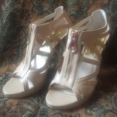 Michael Kors nude beige cage zip platform heels 8 No trades, no PayPal, price firm. Excellent condition patent Michael Kors heels (worn once). The front zippers are functional. Heel height is 4 inches, platform is 1/2 inch. Michael Kors Shoes Heels
