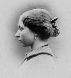 Vintage Family Photos, Vintage Photos Women, Antique Photos, Vintage Photographs, Queen Victoria Children, Queen Victoria Family, Princess Victoria, Queen Victoria's Daughters, Victoria's Children