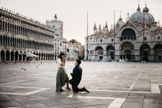 Venice surprise marriage proposal in Piazza San Marco Square - Venice photoshoot ideas - marriage proposal photos - photographer Venice - engagement photoshoot in Venice at dawn - proposal in Italy Venice Photography, Lifestyle Photography, Couple Photography, Couple Posing, Couple Shoot, Surprise Engagement Photos, Proposal Photos, Happy Women, Best Photographers