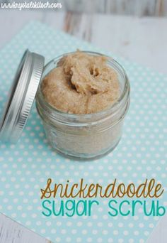 Snickerdoodle Sugar Scrub Recipe Use these pantry items to create a sweet smelling sugar scrub! This sugar scrub recipe is easy to re-create and does wonders on your skin. Body Scrub Recipe, Sugar Scrub Recipe, Diy Body Scrub, Diy Scrub, Hand Scrub, Good Enough, Diy Spa, Zucker Schrubben Diy, Sugar Scrub Homemade