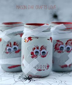 Halloween Craft Ideas with Mason Jars - Zombie Mason Jars - Mason Jar Craft Ideas @Mason Jar Crafts Love blog