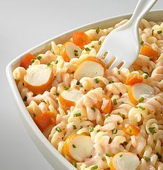 Pasta salad with surimi - recette plat - Salad Recipes Healthy Easy Salads, Healthy Salad Recipes, Meat Recipes, Pasta Recipes, Easy Meals, Food Inspiration, Food And Drink, Lunch, Cooking