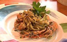 Spaghetti con gamberi e pesto di olive taggiasche è una delle ricette finaliste di Sharing Chef edizione 2017, prepara e assaggia questo piatto, scatta delle foto e partecipa come giudice popolare, il tuo voto decreterà…