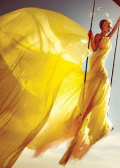 they call me mellow yellow. Poses, Foto Fantasy, Mode Editorials, Fashion Editorials, Fashion Sites, Yellow Wedding, Shades Of Yellow, Colour Shades, Happy Colors